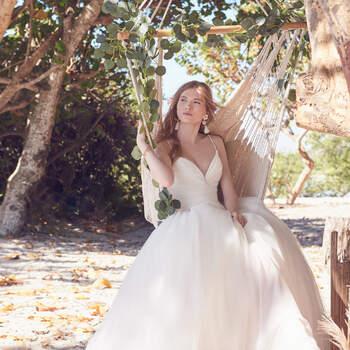 Rebecca Ingram. Kleid: Sonoma