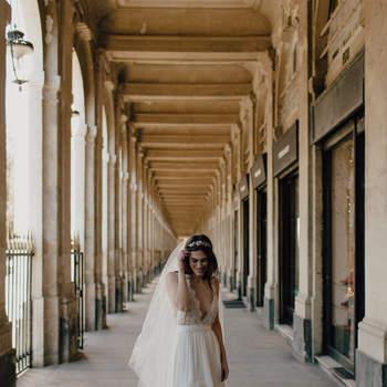 Photographie : Baptiste Hauville de You Made My Day Photography; Accessoires : Cecile Boccara;  Fleurs : Nue Paris;  MUA : Le Sourcil