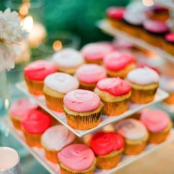 Cupcakes corail - Crédit photo: Mariage Original