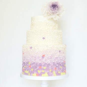 Inspiração para bolos de casamento simples mas fabuloso! | Créditos: T Bakes