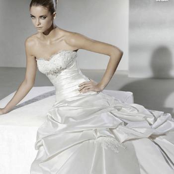 Robe de mariée bustier La Sposa 2012 ultra romantique. - Source : splasposa.com