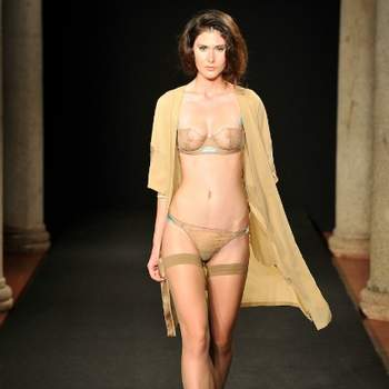 Ensemble de lingerie accompagné de son déshabillé, La Perla 2012, Languid Night