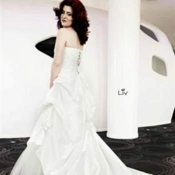 Robe de mariée Liv, Collection Mon Amour. Vue de dos. Crédit photo: Nathalie Elbaz Cleuet