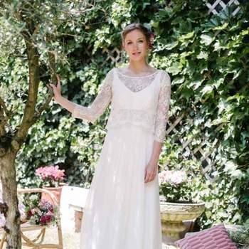 Robe de mariée intemporelle modèle Ester - Crédit photo: Elsa Gary