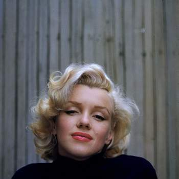 """""""Dê os sapatos certos a uma mulher e ela poderá conquistar o mundo"""" - Marilyn Monroe"""