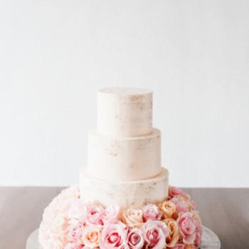 Credits: TABEA MARIA-LISA Floral Designer; Torte: Ola Torten Couture