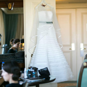 "<a href=""http://www.pronovias.pt/marque-visita/?utm_source=BANNER-ZY-PT&amp;utm_medium=correo+electronico&amp;utm_campaign=Tour-PV-2014-PT"" target=""_blank""> Pronovias - foto de The Knot Wedding Photography </a>"