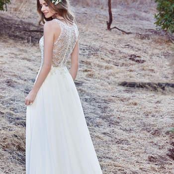 Das Brautkleid Maren ist ein ganz besonderes Modell mit einem edlen Illusions-Ausschnitt in V-Form.