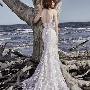 """<a href=""""https://www.maggiesottero.com/sottero-and-midgley/ross/11564"""">Maggie Sottero</a>"""