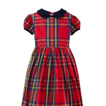 Este año se llevan los estampados escoceses en la moda infantil. Foto: Óscar de la Renta