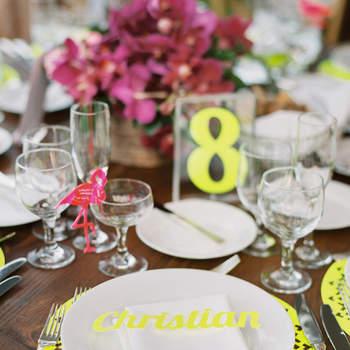 Mesa con detalles amarillos. Credits: Sarah Kate