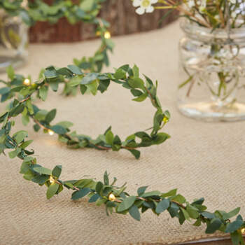 Rama de hojas con luces- Compra en The Wedding Shop