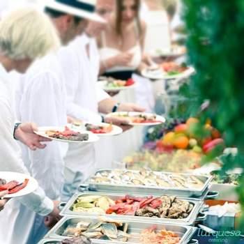 Se trata de un catering ubicado en Mallorca que cuenta con una red de lugares donde podréis disfrutar de sus servicios. Destaca por una calidad excelente de los productos y la cuidada elaboración y presentación de sus platos.
