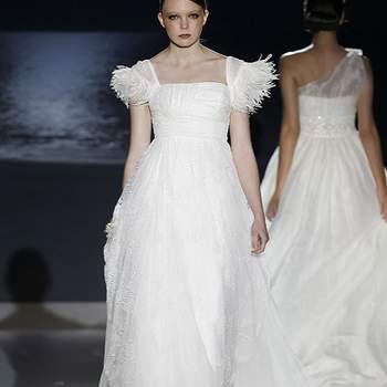 Ravissantes petites manches pour ce modèle Jesus Peiro 2013. Photo : Barcelona Bridal Week