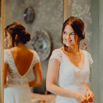 Robe de mariée romantique en dentelle modèle Jasmin - Crédit photo: Elsa Gary