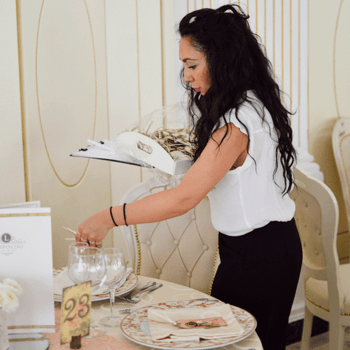 WEM - Women event manager: Eleganza con un tocco tutto personale la tavola delle vostre nozze racconta un po' di voi.