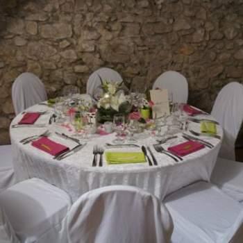 Serviette de table colorée pour vos tables de mariage - Photo : One Day Event