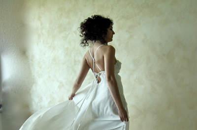 Abito di LoreTree  http://www.etsy.com/listing/100699705/ethereal-fairy-wedding-gown-handmade?ref=usr_faveitems