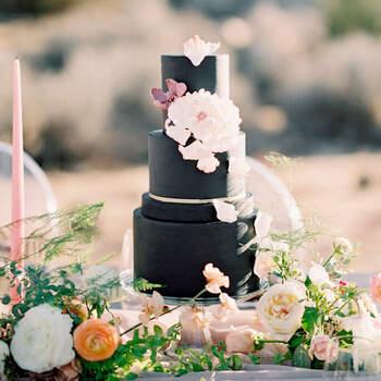 Foto: Alicia Mink - Pastel de boda en color negro ultra elegante