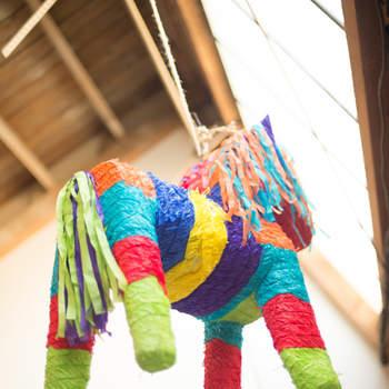 Piñata de papel multicolor. Credits: Joel Maus + Lorely Meza For Studio EMP