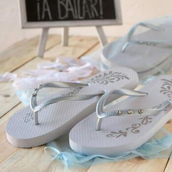Sandalias Blancas y Plateadas talla L- Compra en The Wedding Shop
