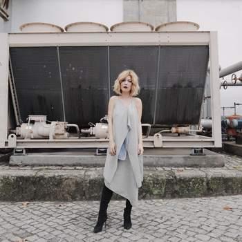 Raquel Strada a vestir Carla Pontes   Foto via Instagram @raquelstrada