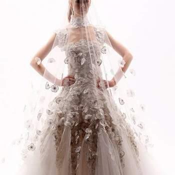 Georges Chakra coloca em teste quem são as noivas mais atrevidas de 2013 com este modelo que é de impressionar.