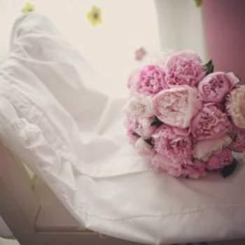 Brautstrauß mit rosanen Rosen- Foto: Fran Russo