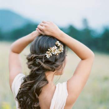 Penteado para noiva semi preso   Crédito: Jennifer Blair Photography