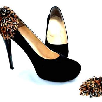 http://www.etsy.com/listing/103105361/nice-shoe-clips-for-wedding-black-brown