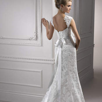 """<a href=""""http://www.maggiesottero.com/dress.aspx?style=S5300"""" target=""""_blank"""">Maggie Sottero Platinum 2015</a>"""