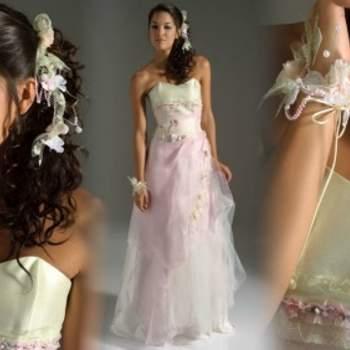 Robe de mariée Elsa Gary 2012, modèle Egérie. Ultra romantique et tout en légèreté. - Source : Elsa Gary