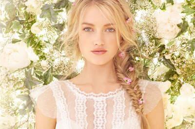 Un toque vintage con acentos románticos: Envuélvete en los vestidos de novia Ti Adora de Alvina Valenta