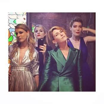 Girls in bathrooms at 3 am, com Margarida Vila-Nova, Inês Castelo Branco e Isabel Pires de Lima. Foto via IG @raquelstrada