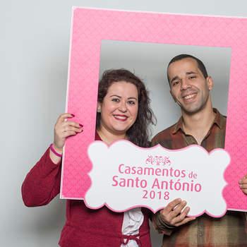 """<p><b>Sara Santos &amp; Paulo Lousada</b><p>Carnide<p>Sara tem 28 anos e é Assistente Dentária; Paulo tem 33 anos e é Servente. Vão ter um casamento católico.<p>Sobre si, o casal diz ser """"a definição perfeita da palavra amor""""."""