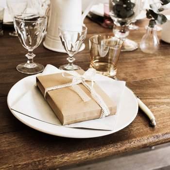 Des sachets cadeaux remplis de surprises pour vos invités et réalisés sur mesure par Coton de Bois