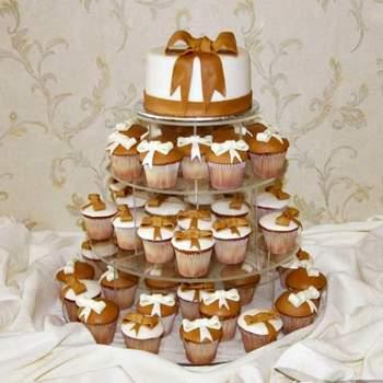 O bolo de casamento é uma escolha muito pessoal! Cada casal tem seu estilo e são muitas as opções para decidir! Por isto, as criações super diferentes de Corta la Torta são tão inspiradoras. Veja os modelos e escolha seu favorito.