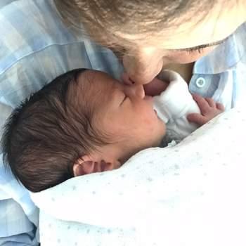 Benjamim nasceu a 1 de junho e é o segundo filho da cantora Carolina Deslandes e do músico Diogo Clemente. Fotografia: Instagram Carolina Deslandes