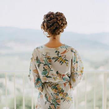 Bata con estampado floral. Credits: Elizabeth Messina