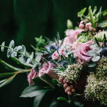 """<a href=""""https://www.zankyou.pt/f/my-wedding-flowers-422437"""" target=""""_blank""""> My Wedding Flowers </a>"""