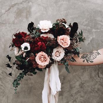 As rosas embelezam qualquer ramo de noiva | Créditos: Lavenders Flowers