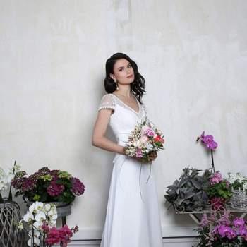 Robe de mariée intemporelle modèle Opéra - Crédit photo: Elsa Gary