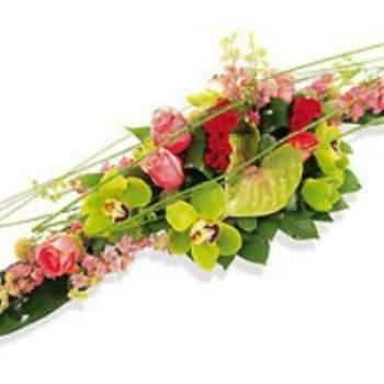 Centre de table Yasawa à dominante rose et verte. Crédit photo: Atelier Floral