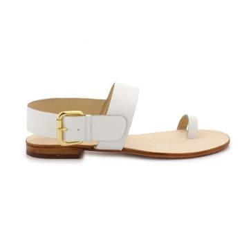 Nu-pieds blancs Florie, au top avec une robe de mariée estivale