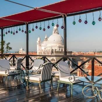 Hotel Bauer Palazzo: Venezia ai vostri piedi, una terrazza che offre una vista mozzafiato e che accoglie eventi esclusivi.