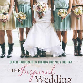 Si lo tuyo es la creatividad, en este libro encontrarás ideas sensacionales para construir temáticas originales en tu boda. Créenos, cada página te dará millones de ideas para un día espectacular.