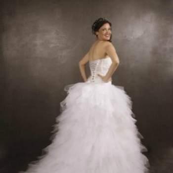 Robe de mariée Fée Clochette, Collection Mon Amour. Vue de dos. Crédit photo: Nathalie Elbaz Cleuet