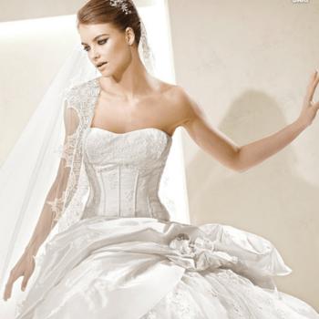 Robe de mariée bustier La Sposa 2012. - Source : splasposa.com