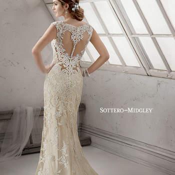 """Vestido de novia extraordinario con silueta ceñida y cauda redondeada. El modelo cuenta con aplicaciones de pedrería y cristales, así como cuello ilusión en la espalda aderezado con bordados de encaje y satén.    <a href=""""http://www.sotteroandmidgley.com/dress.aspx?style=4SS010"""" target=""""_blank"""">Sottero &amp; Midgley Platinum 2015</a>"""