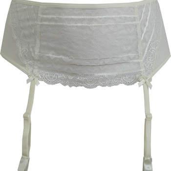 Mira lo que tiene para ti la colección de lencería para novias de Lingerie Rêverie. Foto de Lingerie Rêverie